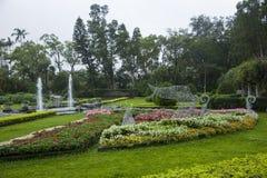 Jardines y estrado de la orquesta de la residencia de Taipei Shilin fotos de archivo