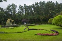 Jardines y estrado de la orquesta de la residencia de Taipei Shilin foto de archivo