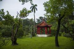 Jardines y estrado de la orquesta de la residencia de Taipei Shilin foto de archivo libre de regalías