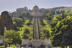 Jardines y templo en las cuestas de Carmel Mountain, ciudad de Haifa, Israel de Bahai Imagen de archivo