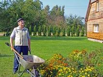 Jardinier aîné 4 images libres de droits