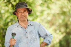 Jardinier aîné Photos libres de droits