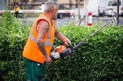 Jardinier au travail Photos libres de droits