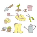 Jardinier d'attributs Jardin, pots de jeune plante, bo?te d'arrosage, chapeau, spatule, gants, cisaillements de jardin illustration libre de droits