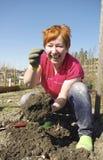 Jardinier et ver de terre Image libre de droits