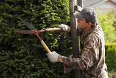 Jardinier pendant le travail photographie stock