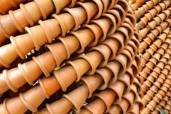Jardiniere gebackener Lehm Stockbilder