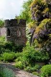 Jardins au château de petite ferme image stock