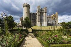Jardins de château d'Arundel image libre de droits