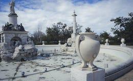 Jardins de la ville d'Aranjuez, située dans l'Espagne Palais en pierre Photos stock