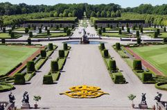 Jardins de palais de Drottningholm en Suède image stock
