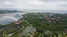 Jardins de Singapura pela baía e pela Marina Barrage fotos de stock royalty free