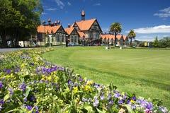 Jardins do governo e museu, Rotorua, Nova Zelândia fotos de stock royalty free