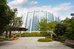 Jardins do parque pela baía em Singapura Fotos de Stock Royalty Free