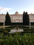 Jardins et Royal Palace de Madrid photos libres de droits