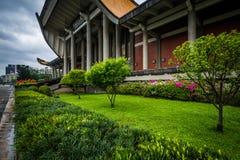 Jardins fora de Sun Yat-sen nacional Memorial Hall no Xi Fotos de Stock