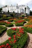 Jardins formels et maison historique Image stock