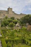 Jardins na frente do castelo Imagem de Stock