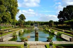 Jardins submergés de palais de Kensington Photo stock