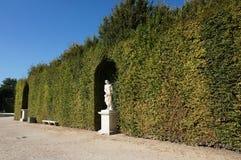 Jardins verdes do palácio de Versalhes Imagens de Stock Royalty Free
