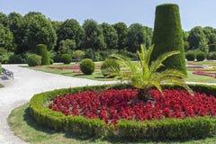 Jardín ajardinado Fotos de archivo