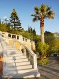 Jardín de lujo del chalet de las vacaciones Fotos de archivo