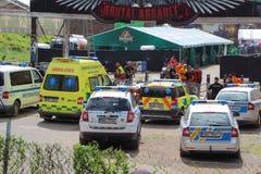 JAROMER -捷克, 8月09日:警车和救护车 库存照片