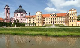 Jaromericenad barokke Rokytnou en renaissancekasteel van 18de eeuw, Zuid-Moravië, Tsjechische Republiek, Midden-Europa stock fotografie