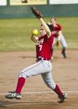 Jarra del beísbol con pelota blanda de la universidad Foto de archivo