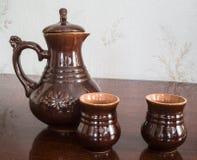 Jarra y dos tazas foto de archivo libre de regalías