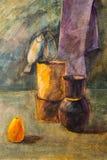 Jarras, pera y un manojo de pescados pintados con un cepillo Foto de archivo libre de regalías