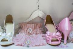 Jarretières et chaussures Image stock