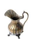 Jarro de cobre velho no branco Imagens de Stock Royalty Free