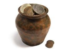 Jarro de monedas viejas Imágenes de archivo libres de regalías