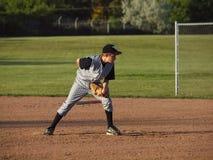 Jarro do basebol da liga júnior Fotografia de Stock