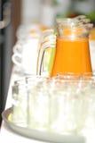 Jarro do chá do leite Fotografia de Stock
