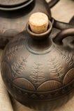 Jarro do produto de cerâmica com um bujão Fotografia de Stock