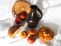 Jarro e maçãs Foto de Stock Royalty Free