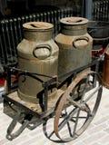 Jarros de leche. Foto de archivo libre de regalías
