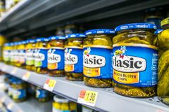 Free Jars Of Vlasic Pickle Chips Royalty Free Stock Photos - 107779718