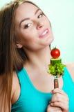 Jarska dziewczyny mienia sterta warzywa Obrazy Royalty Free