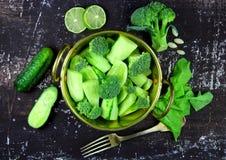 Jarska sałatka ogórek i brokuły Obrazy Royalty Free