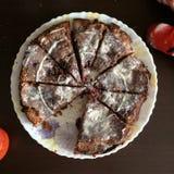 Jarski czekoladowy tort z jagodami zdjęcia royalty free