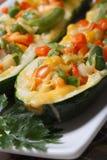 Jarski jedzenie: piec zucchini faszerujący warzywa zdjęcia royalty free