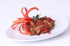 Jarskie karmowe wyśmienicie ostrygowe pieczarki z czerwonym chili fotografia royalty free