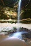 jaru sowy parka skały głodujący stan Zdjęcia Stock