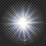 Jarzeniowy lekki skutek Starburst z błyska na przejrzystym tle również zwrócić corel ilustracji wektora słońce Boże Narodzenie bł Fotografia Royalty Free
