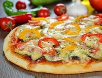 Jarzynowa pizza zdjęcia stock