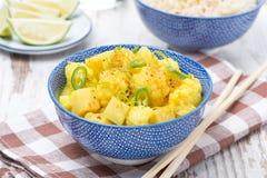 Jarzynowy curry z wapnem w pucharze Zdjęcia Stock