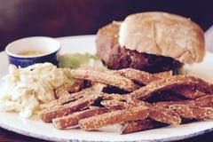 Jarzynowy hamburger Zdjęcia Stock